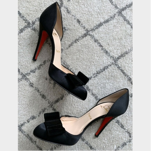 sports shoes 17863 0407c $1,195 Christian Louboutin Bow Heels 40.5 (US 9)